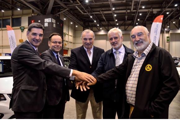 Denis Picard (UPSA), François Membrez (TCS), Jacky Morard (RouteGenève), Christophe Pradervand (Astag) et René Desbaillets (ACS). STEPHANE CHOLLET