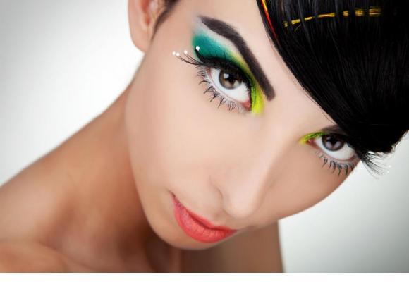 Un maquillage artistique, comme sur les podiums. 123RF/VIOREL SIMA