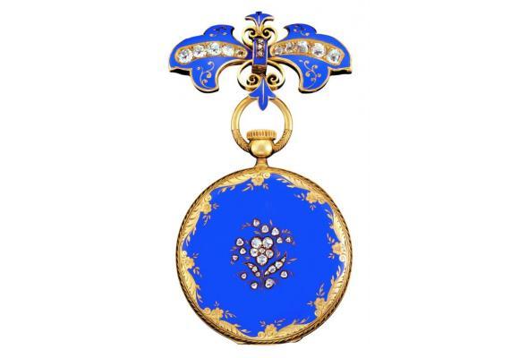 Cette montre-pendentif  à remontage, avec sa broche assortie, fut offerte  à la reine Victoria au cours de la Great Exhibition  de Londres en 1851. PP