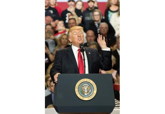 Donald Trump, le mal aimé. 123RF/JOE TABB