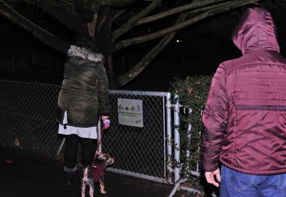 Des femmes avec leur chien ne se sentent pas en sécurité le soir dans les parcs. STéPHANE CHOLLET Manuel Alonso Unica, fondateur du Mouvement de défense des propriétaires de chiens de Genève. DR