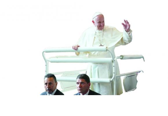 Des milliers de fidèles  ont assisté à la messe papale à Palexpo  le 21 juin dernier.  CHRISTIAN BONZON