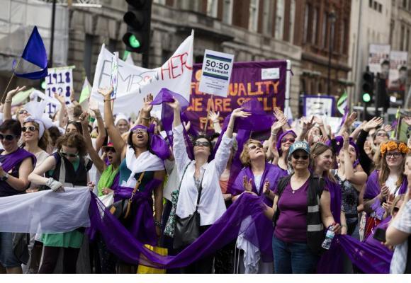 Les hommes sont les bienvenus aux manifestations le 14 juin, mais les femmes seront en tête de cortège. 123RF/INKDROP