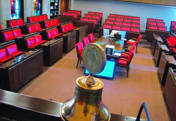 La salle du Grand Conseil avant la rénovation. DR