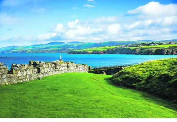 Tout le charme des côtes sauvages de l'île, située entre l'Angleterre et l'Irlande. 123RF/PARINYA SUWANITCH