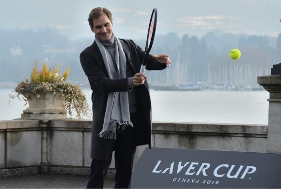 Rodger Federer lors de la promotion de la Laver Cup sur le quai du Mont-Blanc