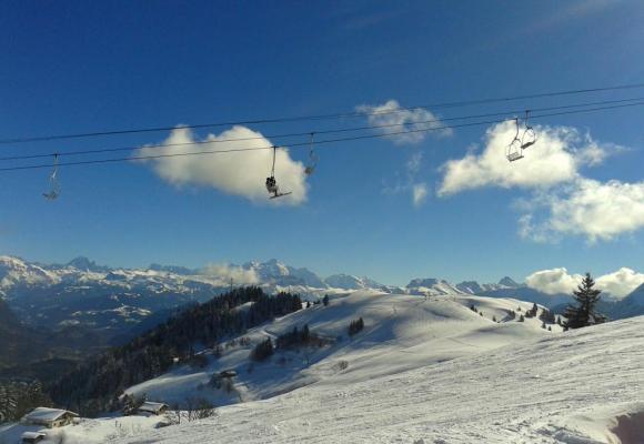 Le Massif des Brasses: c'est ici que le ski commence, à 30 minutes de Genève. DR