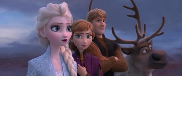 Elsa entreprend avec ses compagnons un périlleux voyage pour sauver le monde. La première version du film d'animation a le plus rapporté à Disney. DR