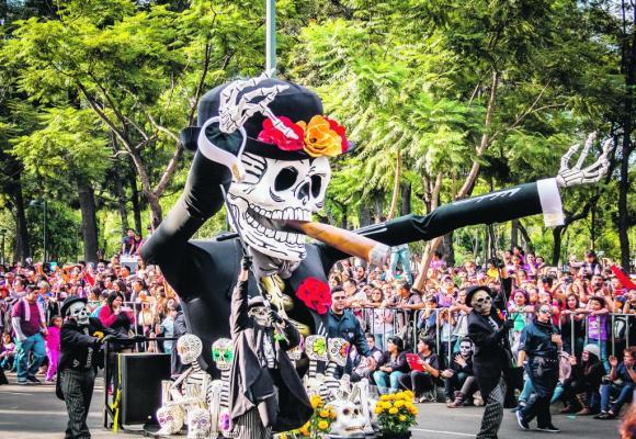 La fête des morts, un événement majeur au Mexique, célébré les 31 octobre, 1er et 2 novembre dans l'allégresse depuis plus de trois mille ans. 123F/DIEGO GRANDI