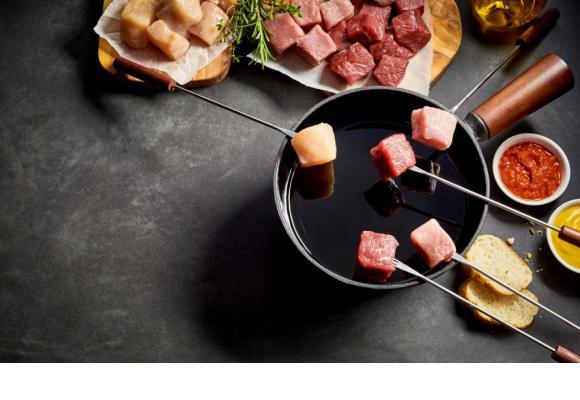Une fondue bourguignonne a l'avantage de demander peu