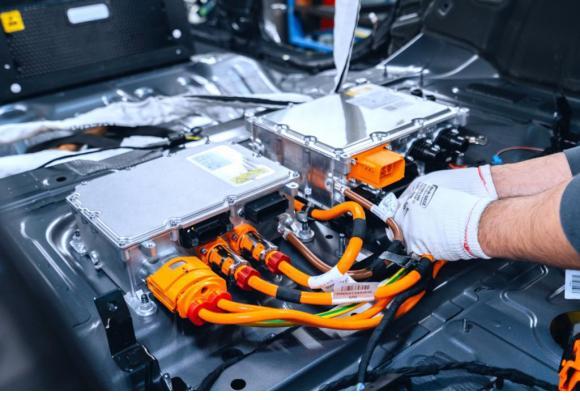 L'utilisation de la voiture électrique devrait dépasser à moyen terme celle à moteur thermique pour parvenir aux émissions souhaitées par l'Union européenne. DR