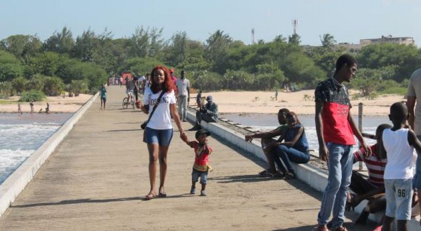 Le ponton Bunthwani, un lieu de promenade apprécié des familles et des amoureux. DW