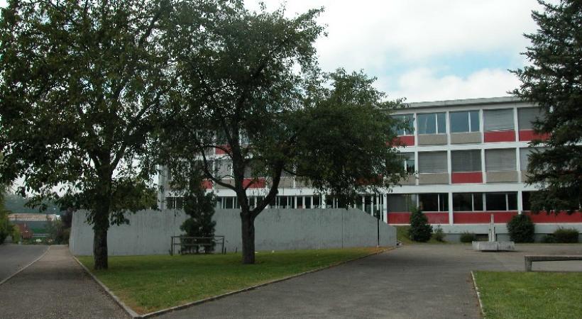 Parmi les différents établissements scolaires qui ont fait l'objet d'un entretien estival, on trouve le cycle d'orientation du Renard. DR