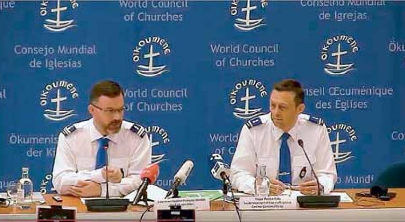 Le lieutenant-colonel François Waridel, chef des opérations, et Patrick Pulh, chef de la police routière, ont dévoilé les mesures prévues pour la venue du pape François. DR