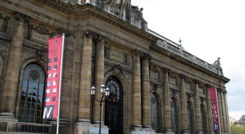 Vestiges pillés présentés au Musée d'art et d'histoire