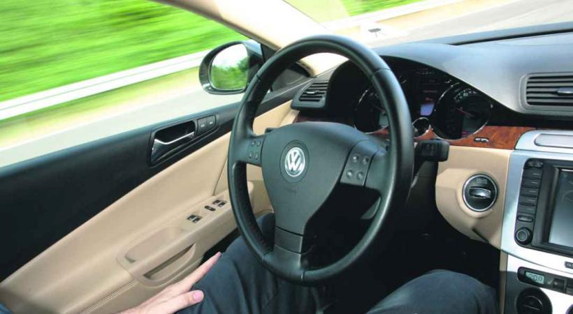 Lâchez le volant et détendez-vous! Votre voiture s'occupe de tout... ou presque!