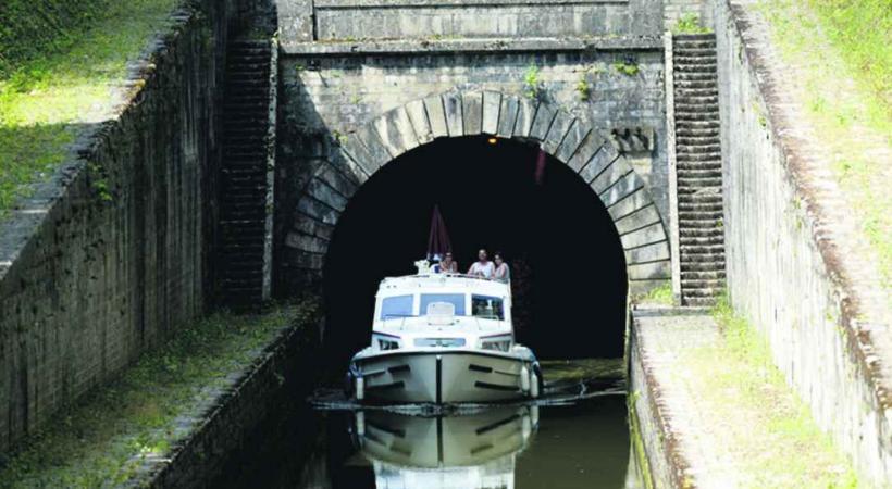 Tunnel de Saint-Albin et ses 681 mètres de long.