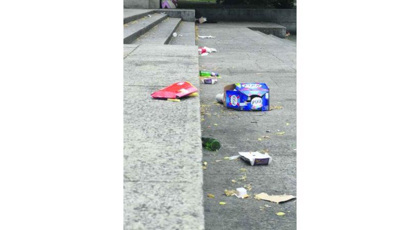 L'état du parc des Bastions le lundi matin…