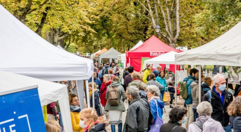 Le 7e festival Alternatiba Léman (photos des précédentes éditions) se tiendra aux Bastions le samedi 4 septembre. Une journée de réflexion, mais aussi de fête. ©LE MARIN PRODUCTION
