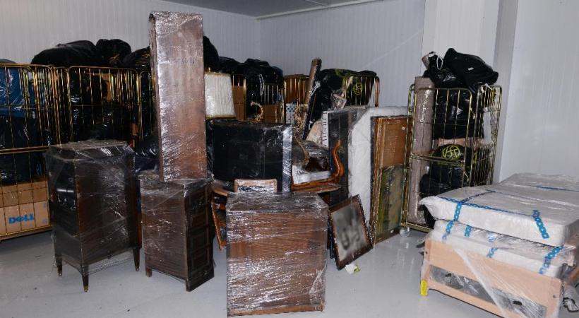 Un frigo géant à Carouge permet de congeler les meubles infestés de larves de punaises de lit.