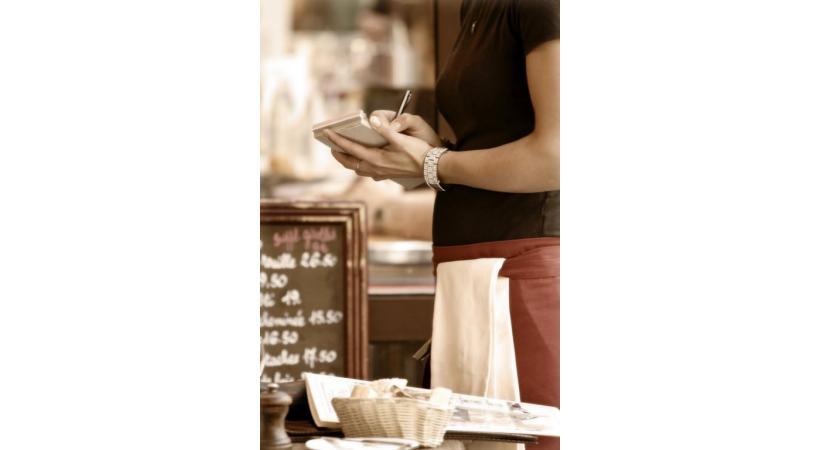 La formation de cafetier-restaurateur coûte au minimum 3400 francs. ISTOCK/BRYANAJACKSON