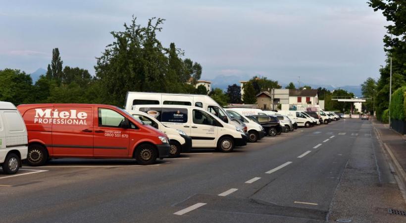 Les frontaliers ne pourront passer la frontière avec leur véhicule de fonction que pour aller de leur domicile à leur lieu de travail. PASCAL BITZ