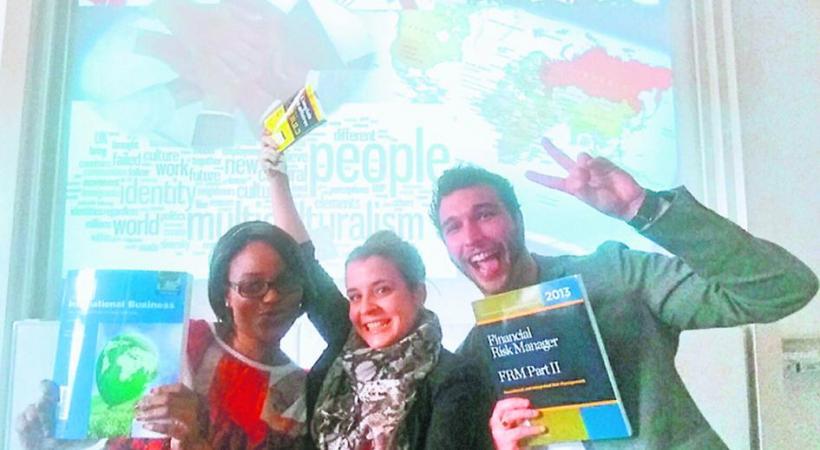 Caroline Mulhauser, Tanya Cole et Fabien Milon, étudiants. DR