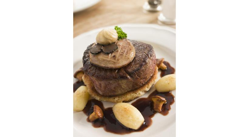 Tournedos Rossini, le plat phare des années 70.  ISTOCK/MONKEYBUSINESSIMAGES