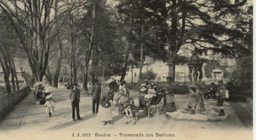 La Promenade des Bastions autrefois. GECH.CH Avec ses 150 variétés d'arbres, le parc des Bastions est de toute beauté en automne. DR DR