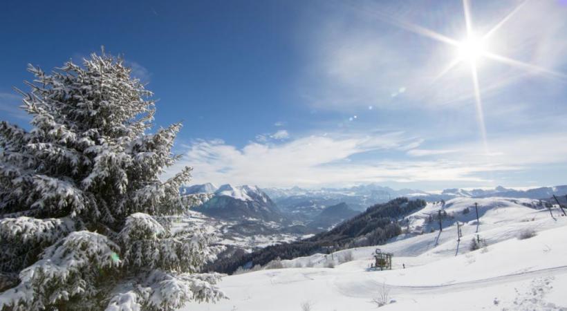 Le domaine des Brasses est à 80% couvert de neige artificielle de qualité. DR