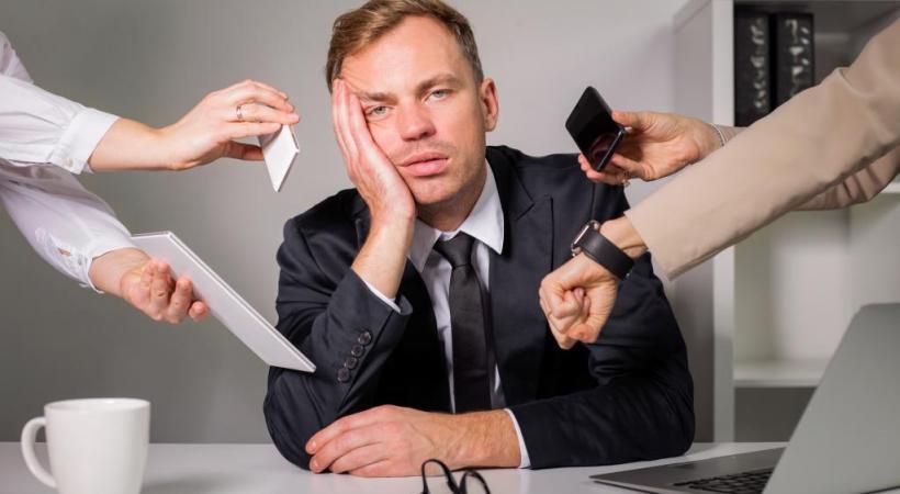 La pression au travail est l'une des causes principales du burn-out. GETTY IMAGES/GRINVALDS