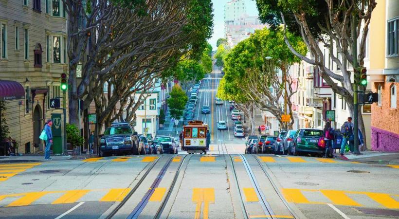 Les rues de San Francisco sont célèbres pour leurs pentes vertigineuses. DR