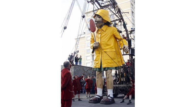 La petite géante et ses immenses sucreries feront  le déplacement à Genève. DR