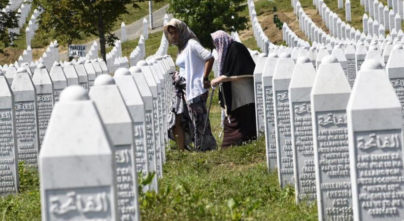 Le mémorial et le cimetière de Srebrenica-Potocari pour les victimes du massacre de 1995. 123RF/OXANA KRUTENYUK