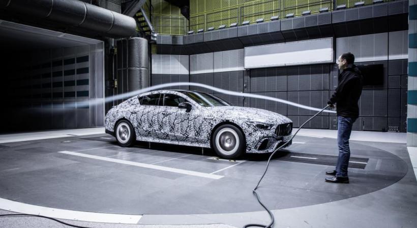 La nouvelle Ferrari 488 Pista. PHOTOS DR L'Alpine Renault renaît. La grande berline Jaguar XJR.