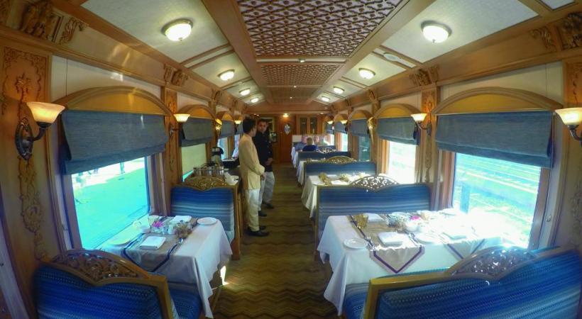 Des espaces raffinés pour les repas pris à bord.