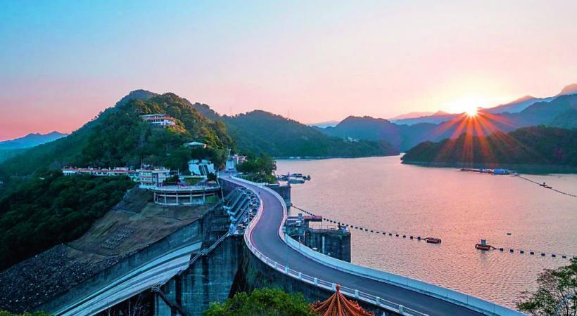 Le rocher de Shihmen Dam se situe au nord de Taïwan. DR