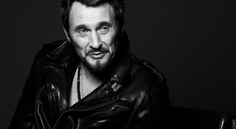 Le look, la voix, la gestuelle… Johnny Vegas fait revivre l'«idole des jeunes». DR