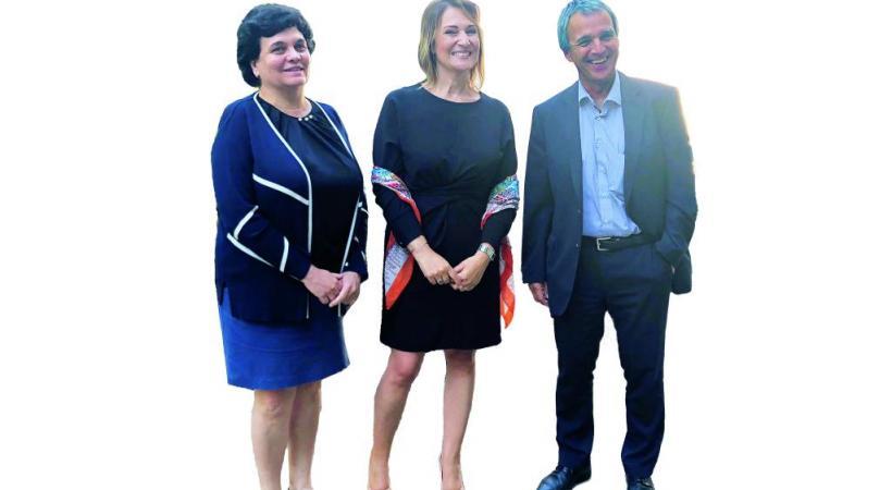 Linda Kamal, directrice de la Fondation Otium, entourée du professeur en oncologie Pierre-Yves Dietrich et de la doctoresse Angela Pugliesi-Rinaldi, spécialiste en oncologie médicale, membres du Comité consultatif pluridisciplinaire de la fondation. DR