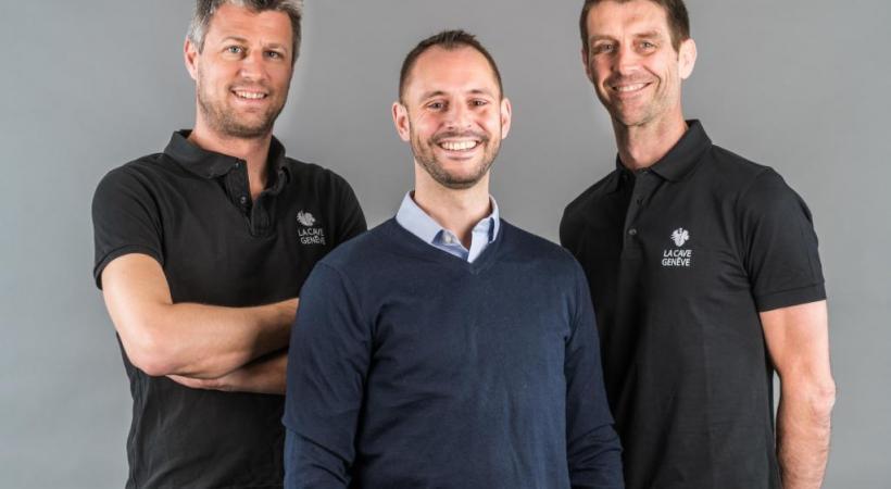 De gauche à droite, les œnologues Florian Barthassat, Jérôme Leupin et Patrick Gräzer ont décroché chacun une médaille d'or. JEAN REVILLARD/GENEVETERROIR.CH