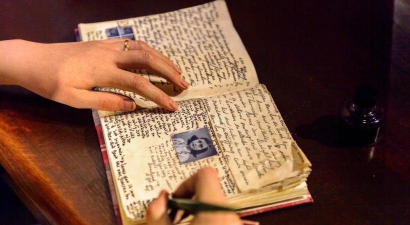 La visite de la Maison Anne Frank, indispensable voyage vers  le souvenir. 123RF/ANTON IVANOV