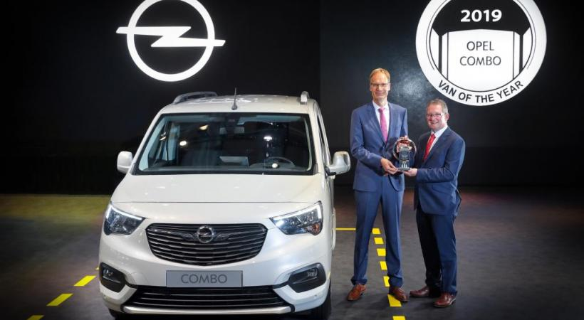 Le nouvel Opel Combo a reçu, en même temps que ses cousins Citroën Berlingo et Peugeot Partner, le prix «International Van of the Year». DR
