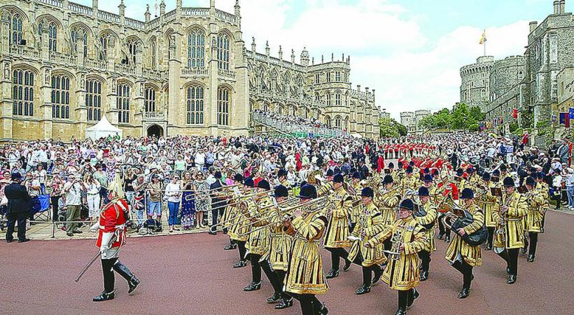 Chaque année la grande procession de l'Ordre de la Jarretière se tient au château de Windsor.