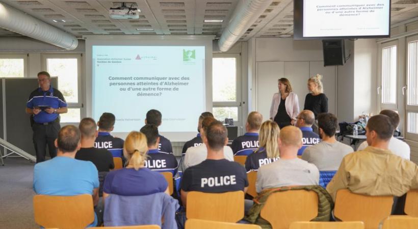 Après avoir suivi cette formation, les agents repartiront sur le terrain, mieux préparés pour aborder les personnes atteintes de démence.  CHRISTIAN BONZON