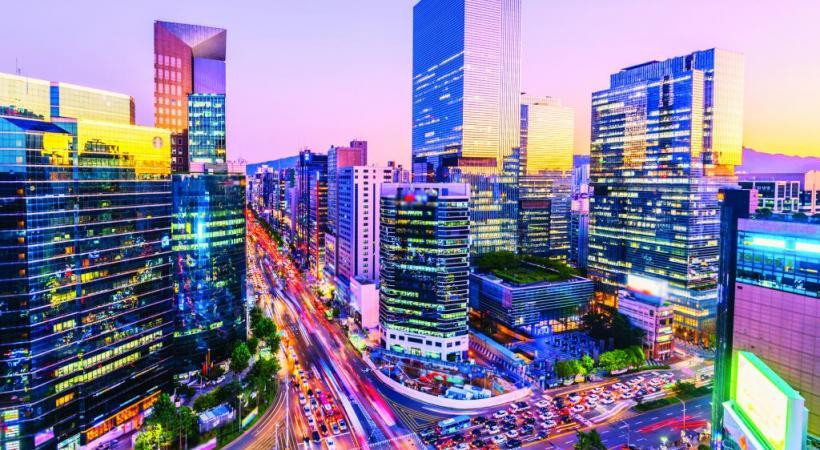 La trépidante vie nocturne de l'arrondissement huppé de Gangnam, à Séoul. 123RF/NATTANAI CHIMJANON