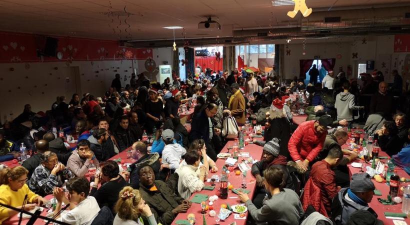 Cette année encore, le repas de Noël au Caré a été synonyme de partage et de chaleur. DR