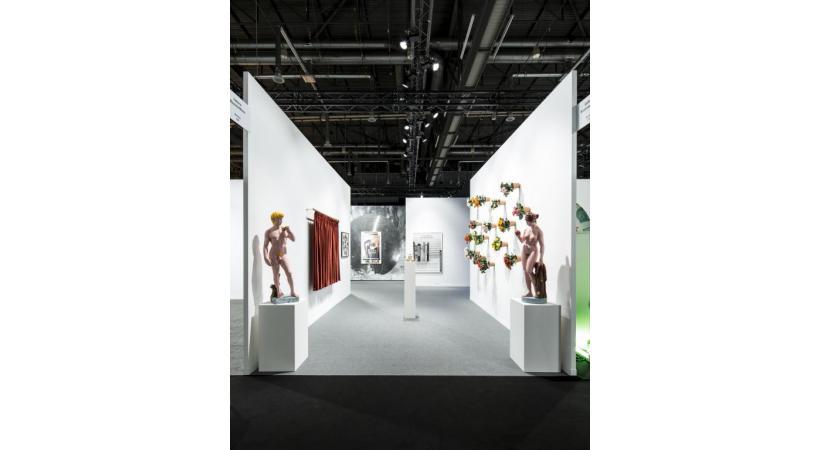 Cette année, artgenève élargit son offre, incluant les arts décoratifs, le design historique
