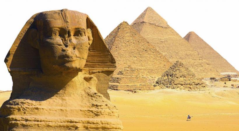 L'extraordinaire site de Gizeh avec le sphinx  et les pyramides  en arrière-plan.  123RF/PIUS LEE