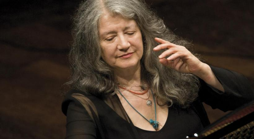Martha Argerich est régulièrement invitée par les orchestres les plus prestigieux. ADRIANO HEITMAN