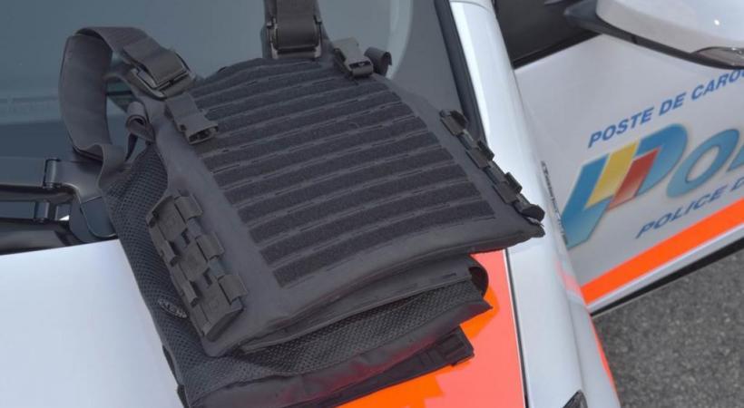 Le modèle de gilet pare-balles. POLICE DE GENÈVE
